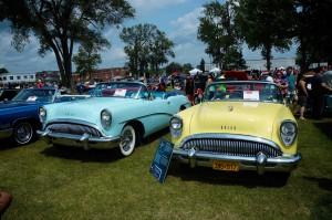buick-skylark-1954-jaune et bleu