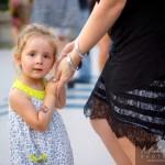 Enfant dans la Salsa avec sa maman