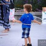 enfant et hula-hoop