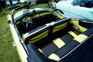 buick-skylark-1954-jaune vue de haut