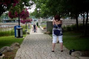 photo-famille-place-publique-vieux-saint-jean 128