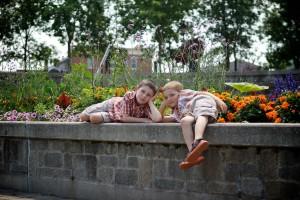 photo-famille-place-publique-vieux-saint-jean 146