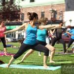 Yoga dans le vieux centre ville de Saint-Jean